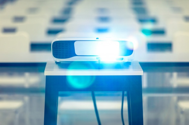 Led projektor je vse bolj pogosto iskan spletni ključ