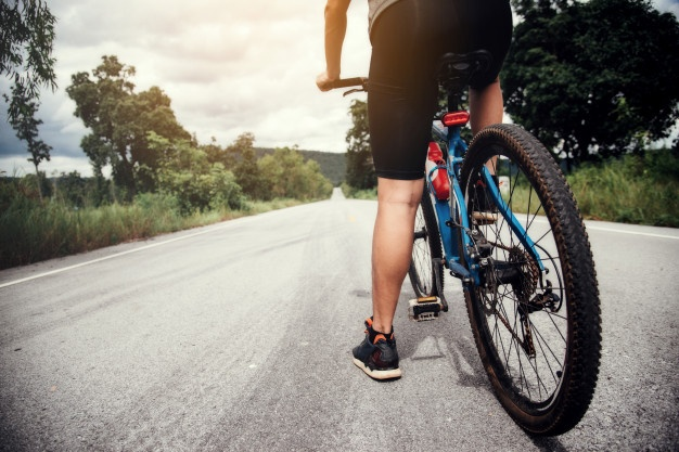 Sestavni deli kolesa in druga kolesarska oprema